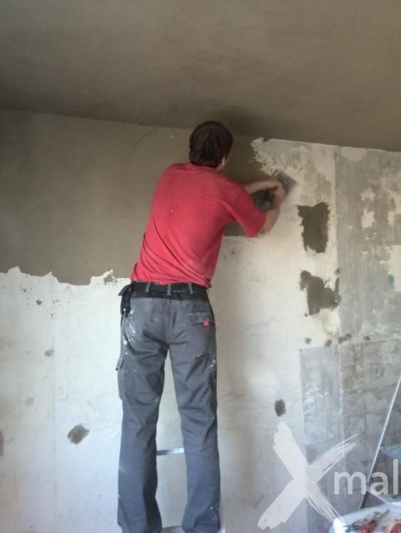 Štukování zdí panelového bytu