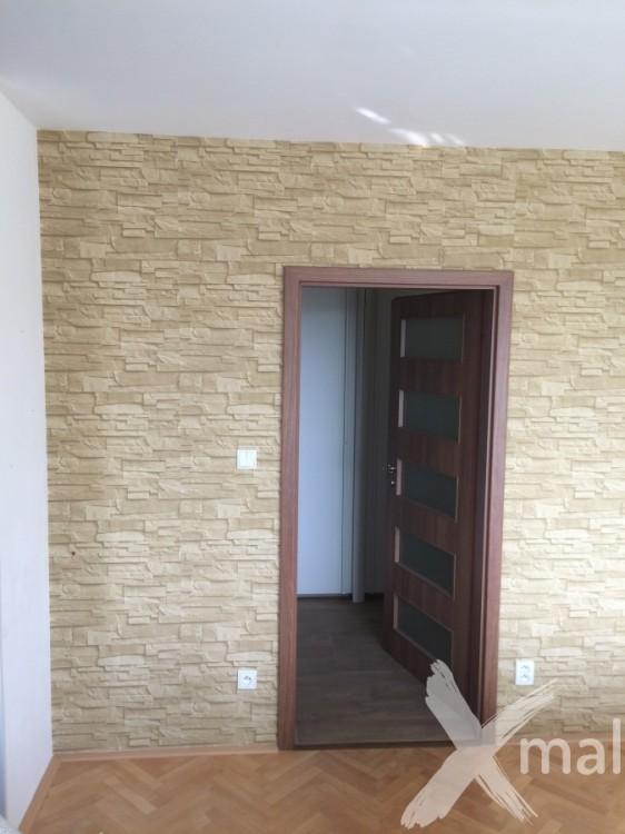 Vliesová tapeta v obývacím pokoji