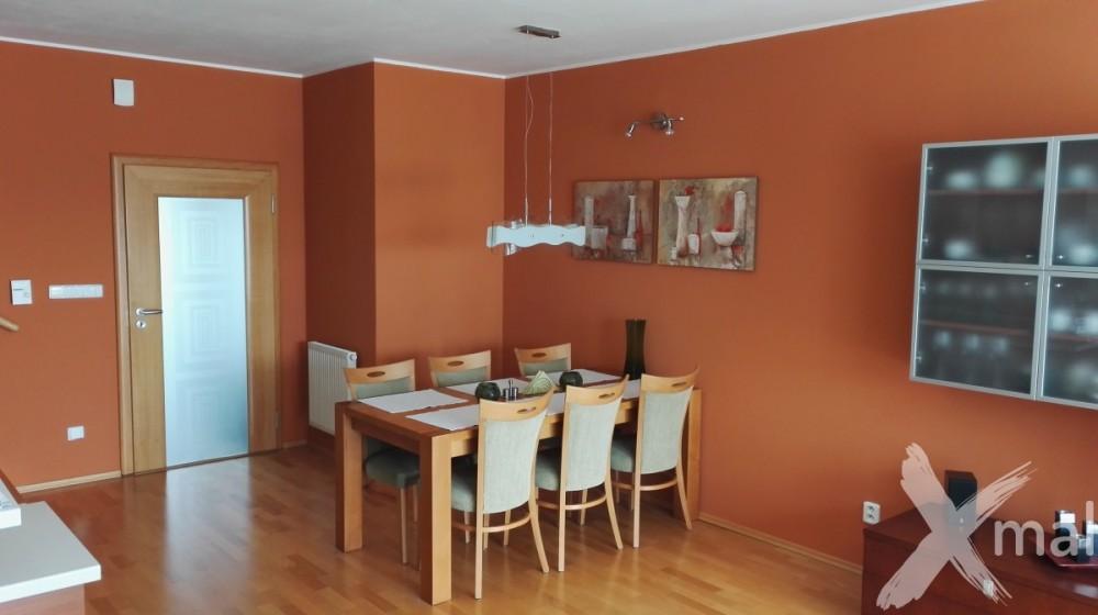 malování obývacího pokoje s jídelnou