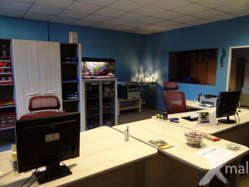 nově vymalované kanceláře
