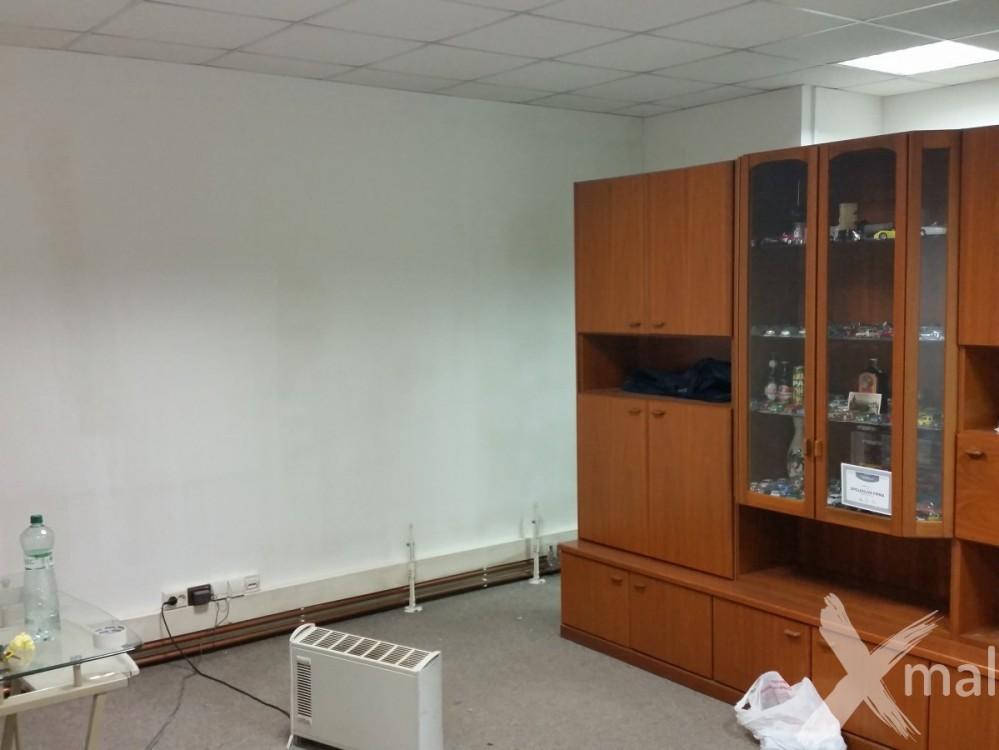 před malováním kanceláří 3