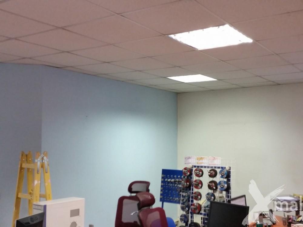 před malováním kanceláří 2