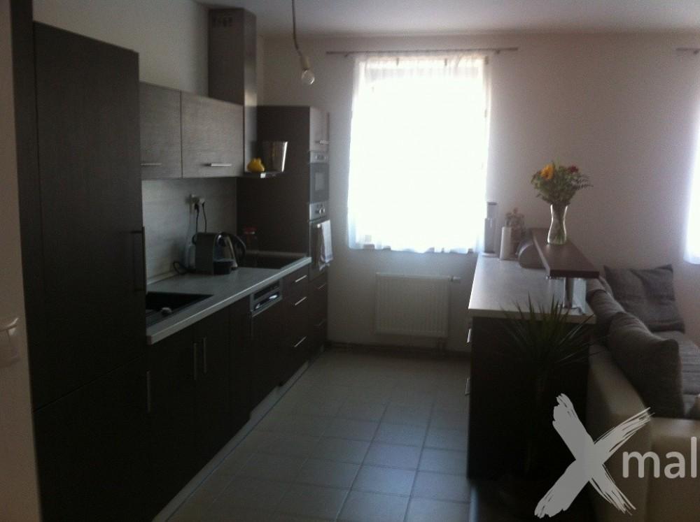 kuchyně na míru 8