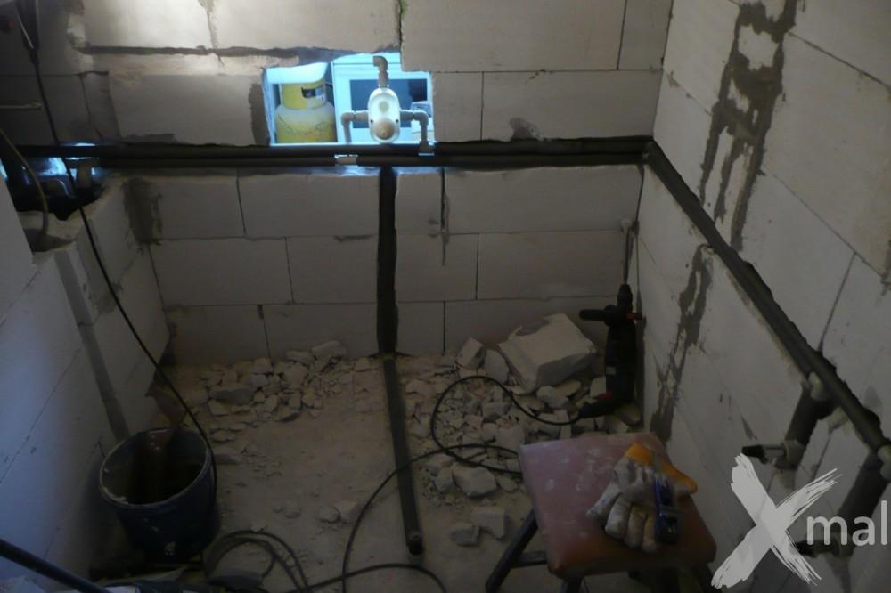 Rozvody vody v koupelně při rekonstrukci bytu