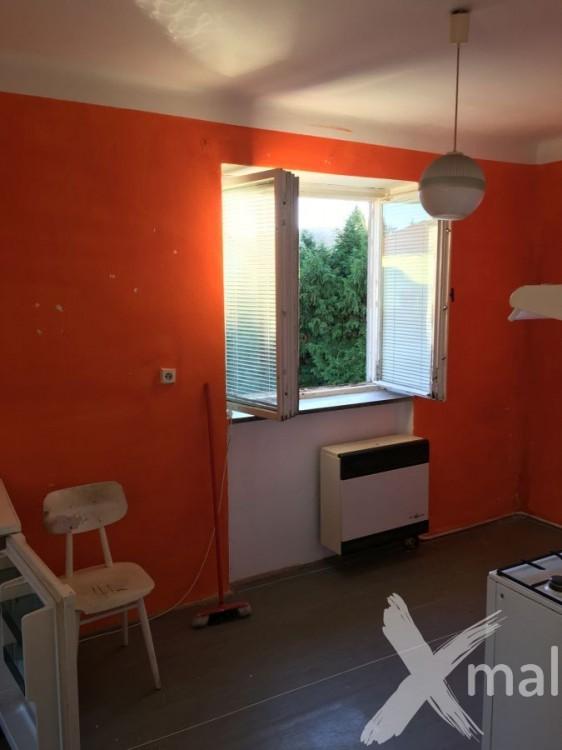 Kuchyně před malováním