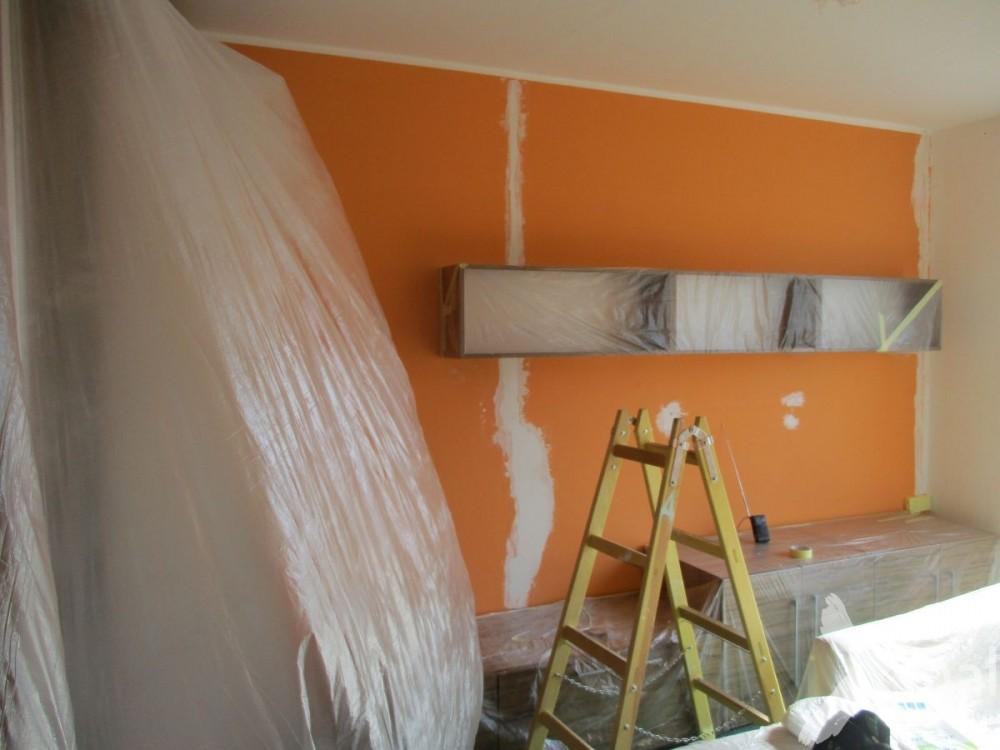 Oprava zdi před malováním
