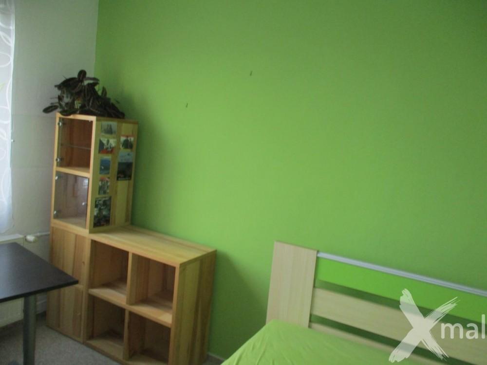 Malování dětského pokoje - zelená