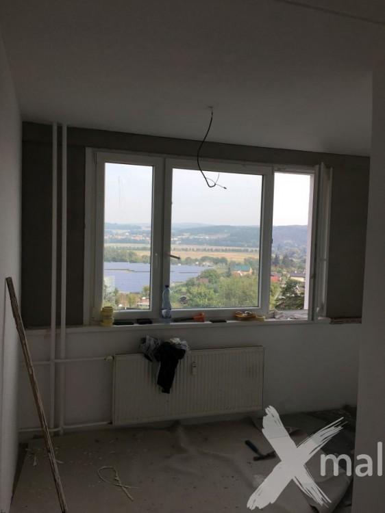Štukování pokoje a oprava kolem oken