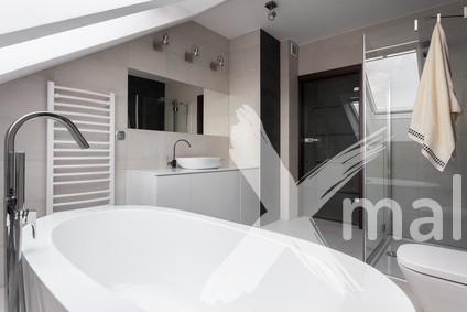 rekonstrukce koupelny v podkrovním bytě - inspirace