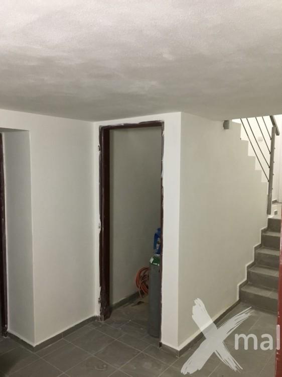 Schodiště rodinného domu před malováním
