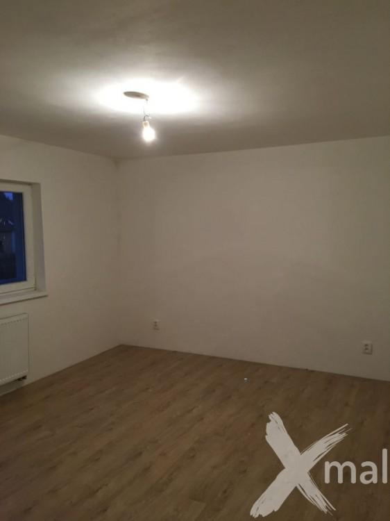 Malování pokojů rodinného domu
