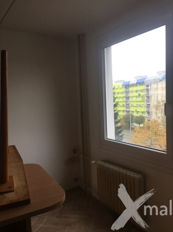 Malování ložnice v panelovém bytě