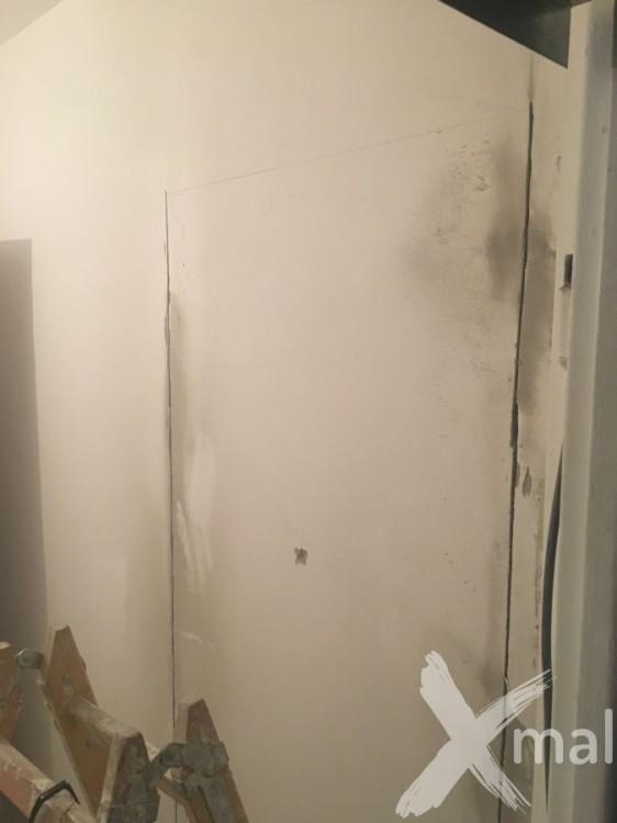 Vyříznutí dveří do ložnice