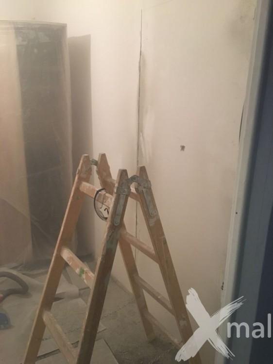Vyříznutí nového vchodu do ložnice
