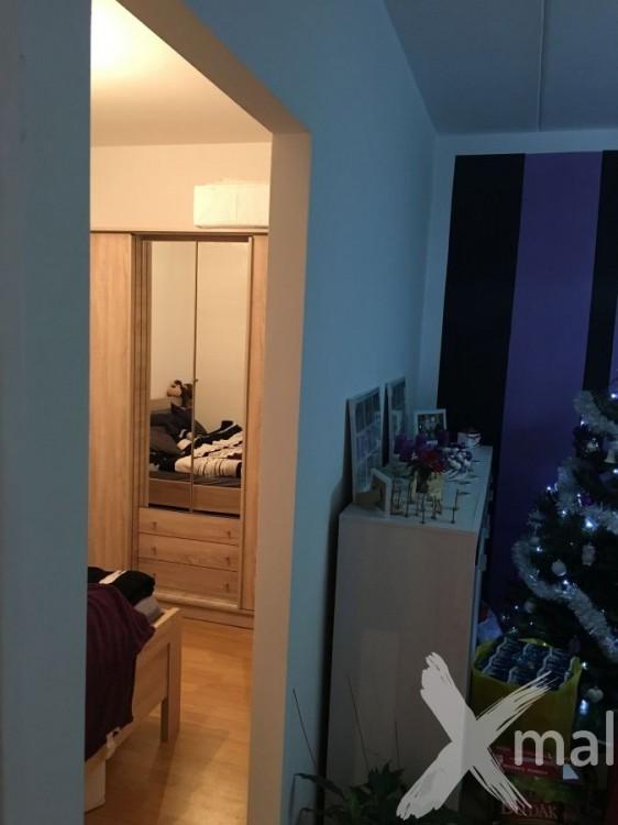 Vchod do ložnice po přestavbě bytu