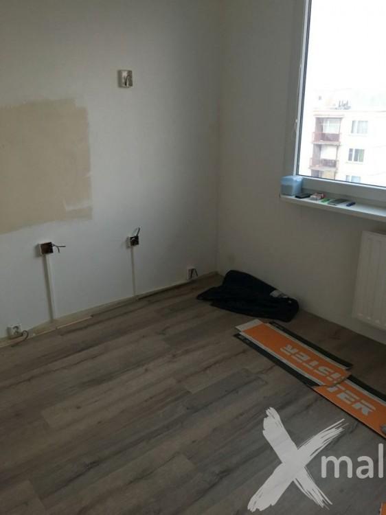 Pokládka plovoucí podlahy v kuchyni
