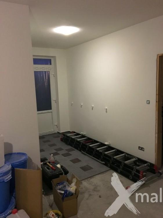 Malování vstupního zádveří bytu