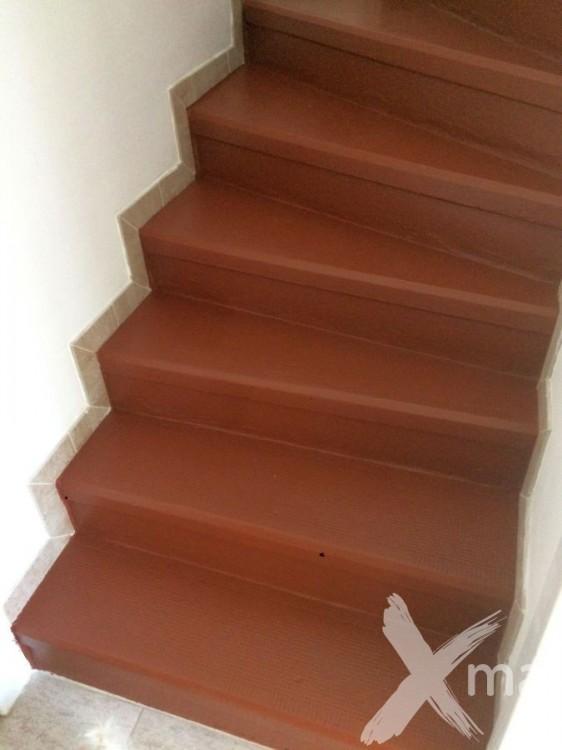 Nátěr betonových schodů