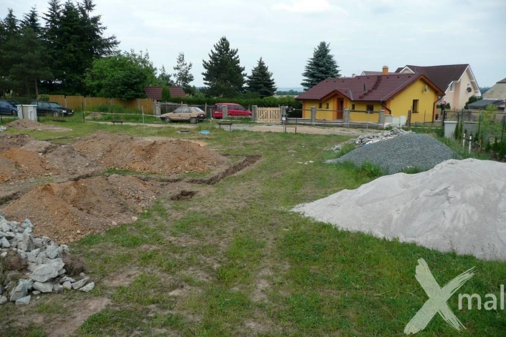 Výkopy základů rodinného domu
