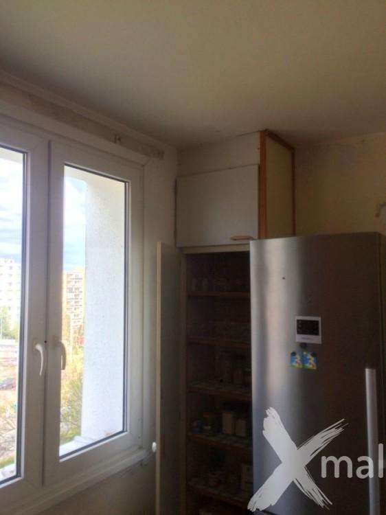 Kuchyň před rekonstrukcí bytu