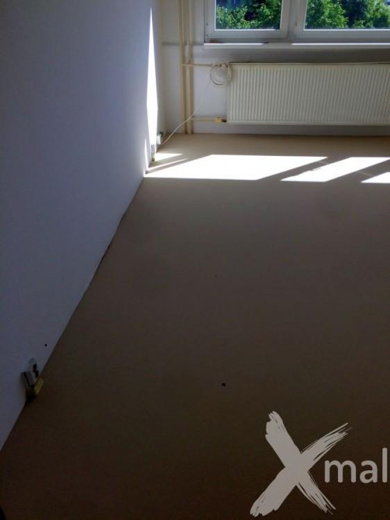 Nivelace podlahy před pokládkou PVC