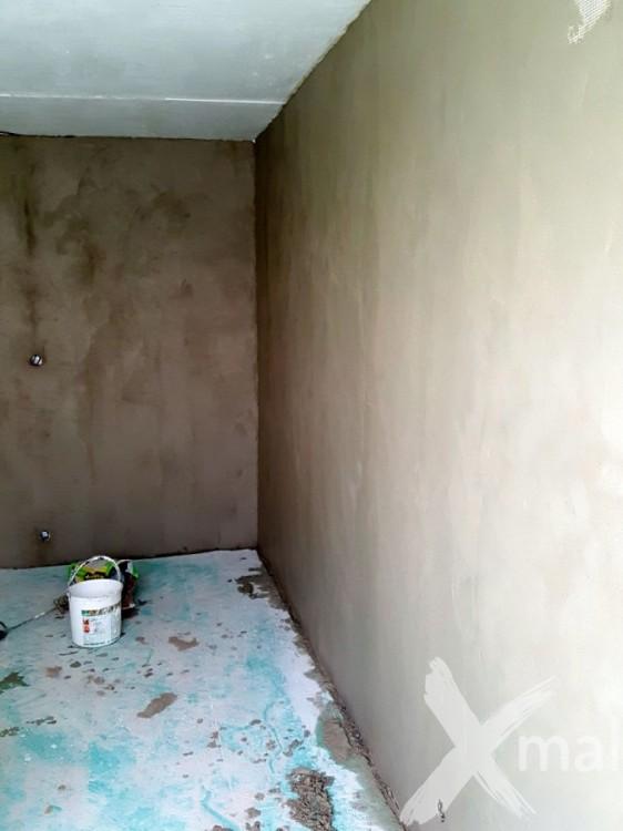 Vyrovnání stěn jádrovou omítkou s perlinkou