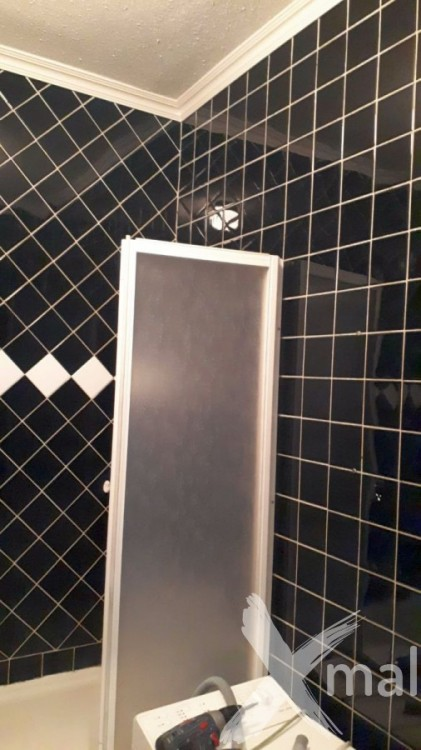 Koupelna v bytě před rekonstrukcí