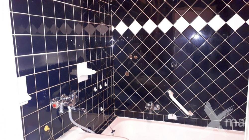 Původní obklady v koupelně