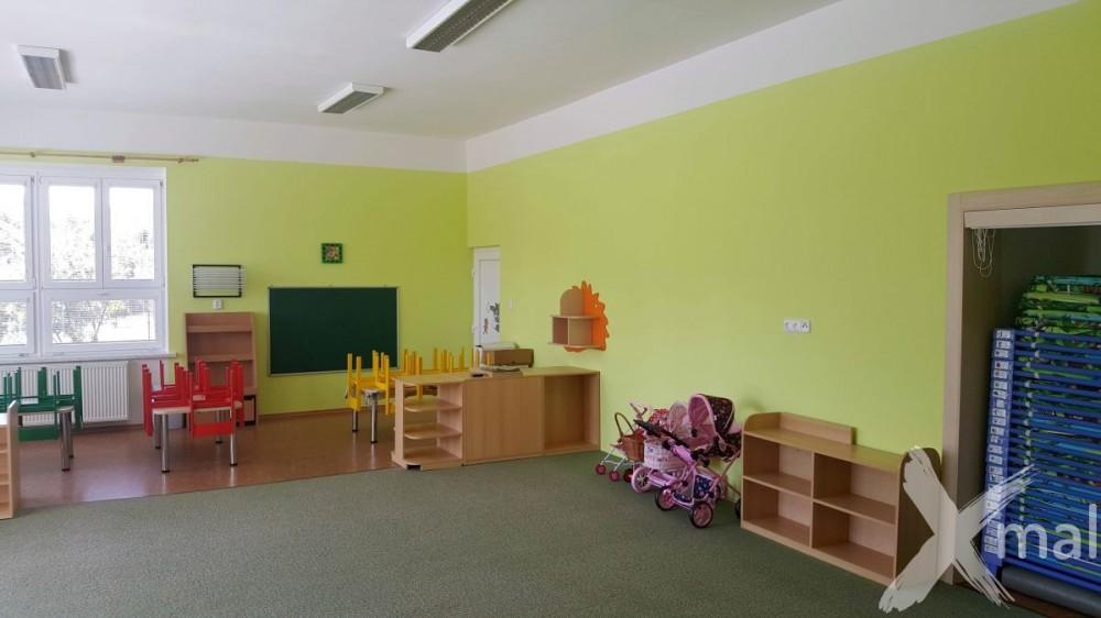 Malování školní třídy