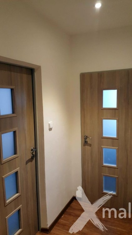 Chodba v panelovém bytě po rekonstrukci
