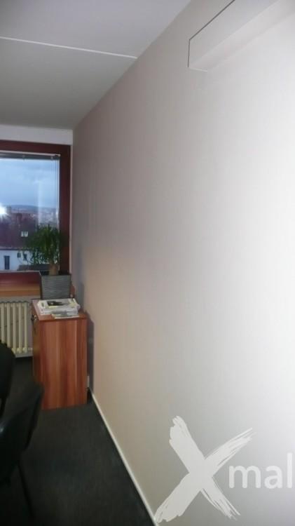 Příprava na lepení fototapety do kanceláře